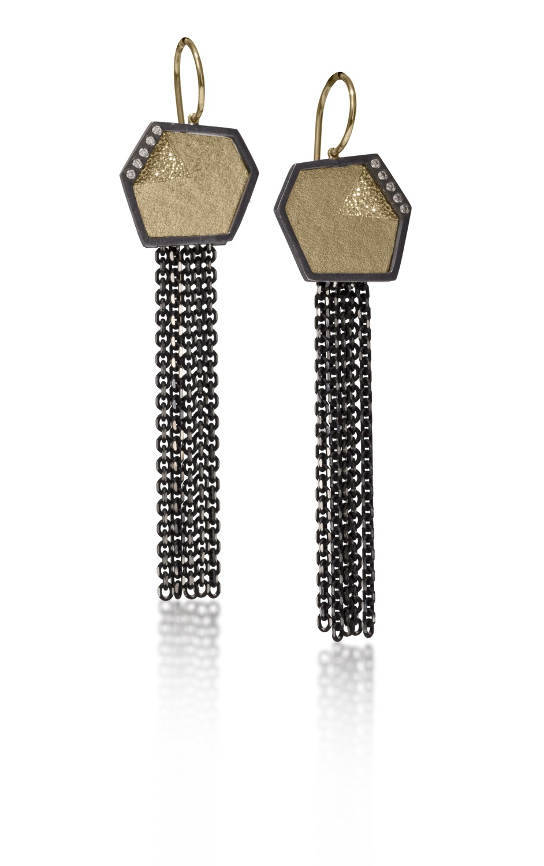 The Jewel - Elizabeth Garvin - Black and Gold Chain Earrings