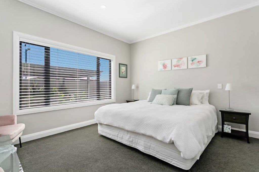 Stay-in-Taupo-Accommodation-Bed-and-Breakfast-in-Taupo-Waikato-New-Zealand-Super-king-or-Twin-Room-5