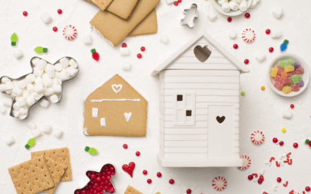 Image of Scenty's Built with Love Warmer surrounded by Gingerbread making items