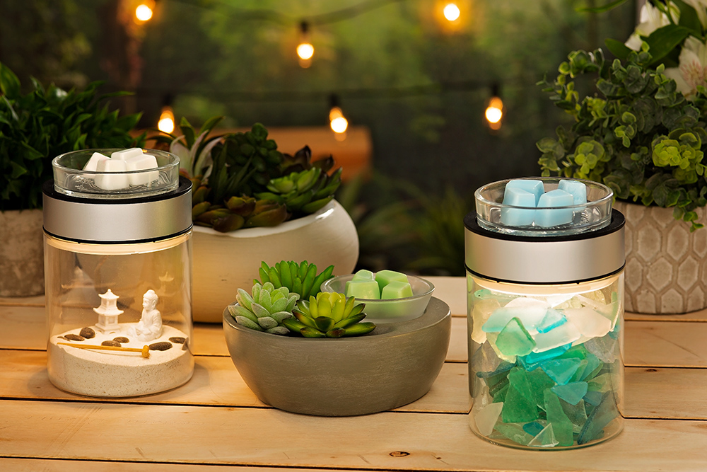 Photo of scentsys little garden and make a scene warmers