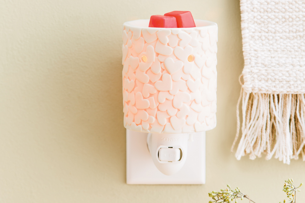 photo of Scentsy's warm the heart warmer