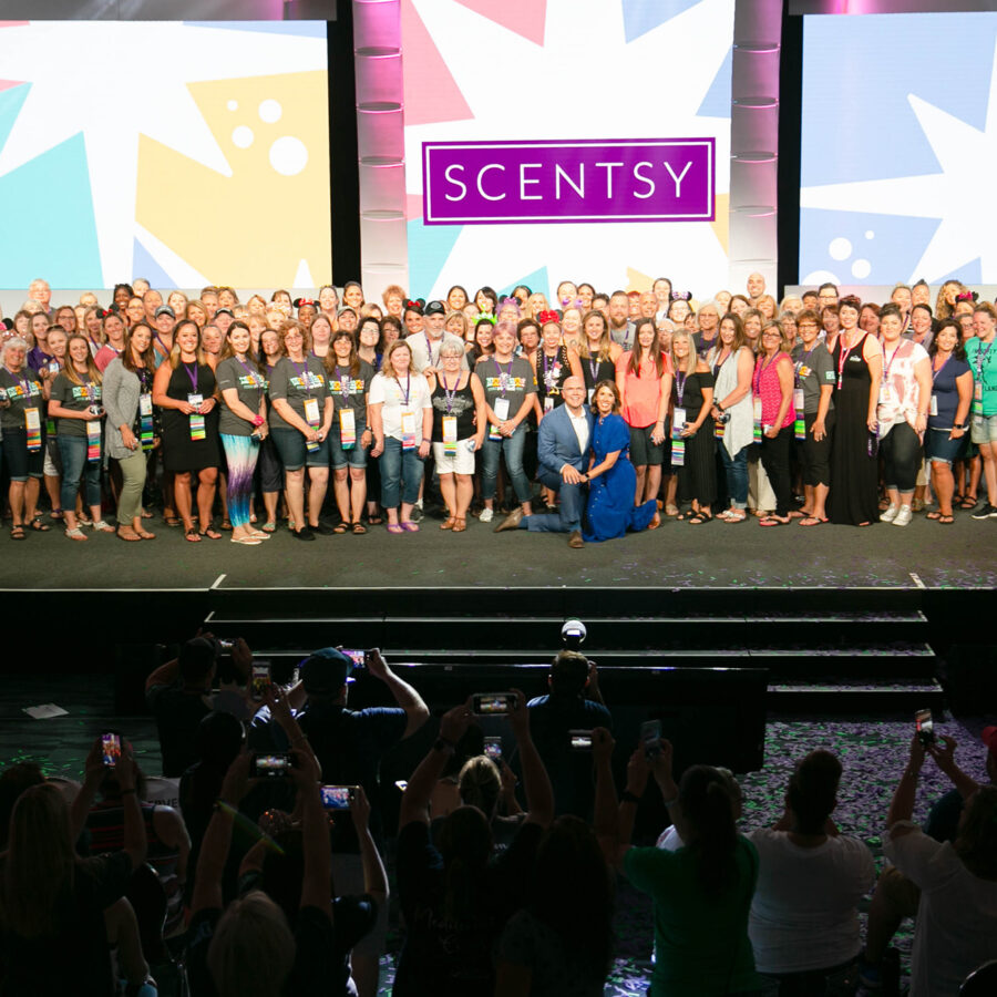 Scentsy Family Reunion 2018 group photo