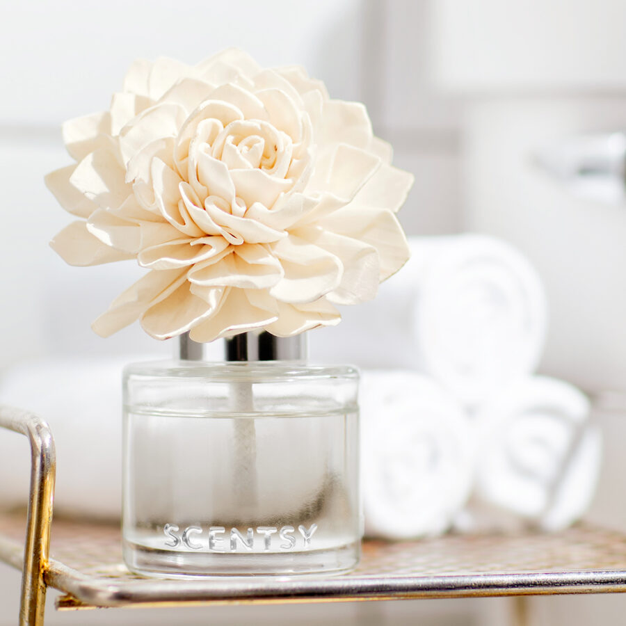 Scentsy Fragrance flower lifestyle photo