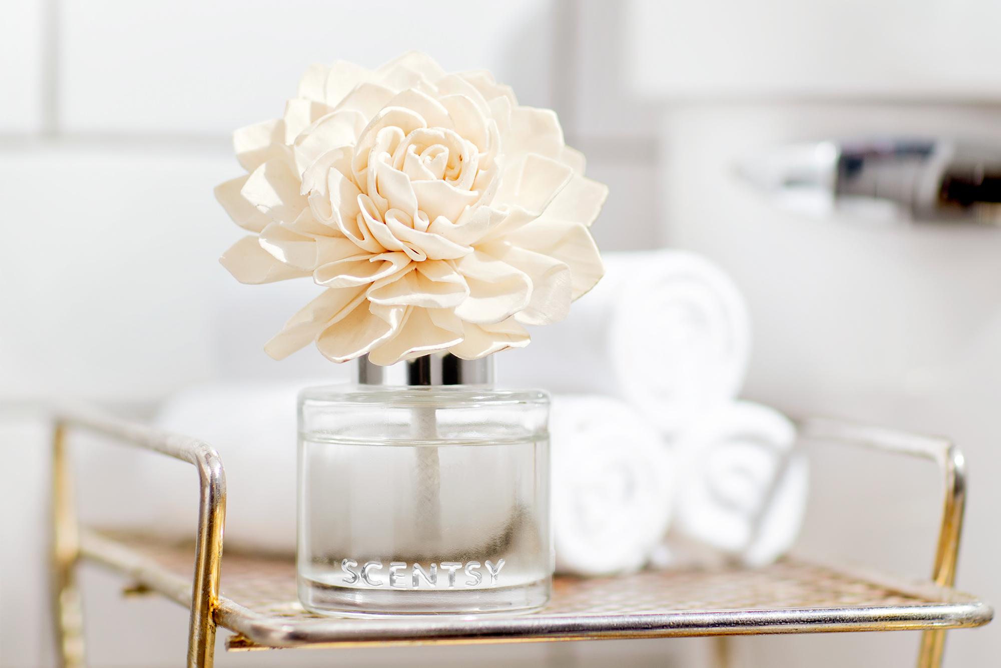 Scentsy Fragrance flower lifestyle photo