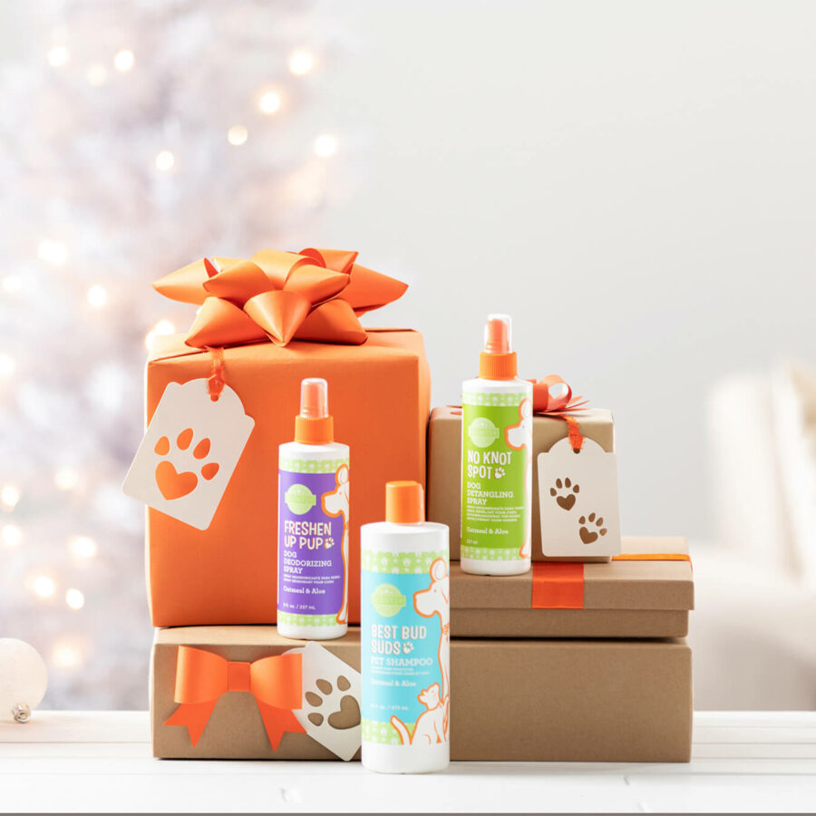11/26 blog feature image - presents with the Scentsy Pets products stacked on them.