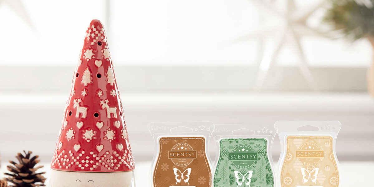 Scentsy's Nordic St. Nick Warmer along with the Fireside Christmas Bar bundle