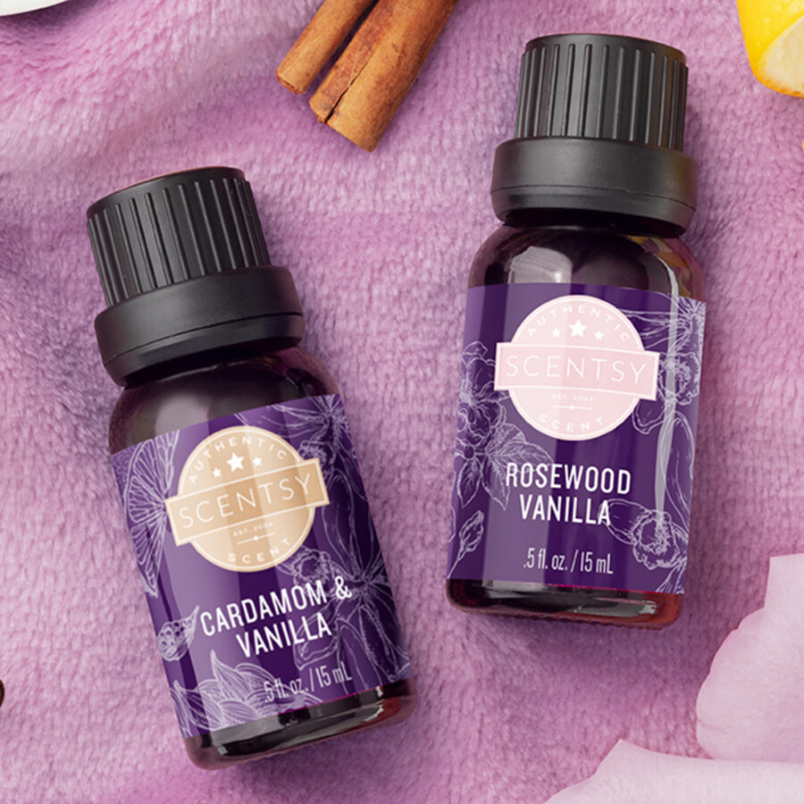 Scentsy's Cardamom & Vanilla oil and the Rosewood Vanilla oil with their ingredients