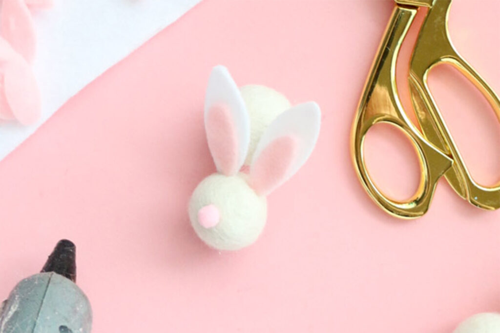 https://akailochiclife.com/2018/03/diy-felt-ball-bunny-easter-garland.html