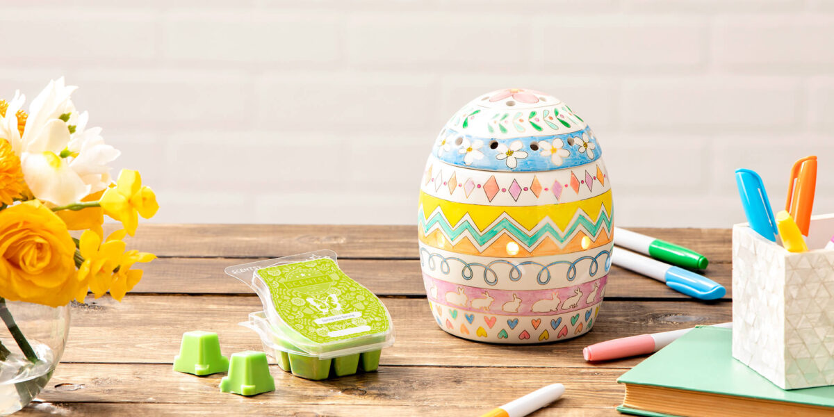 Scentsy's Egg-Spress yourself warmer and Spring Has Sprung scent