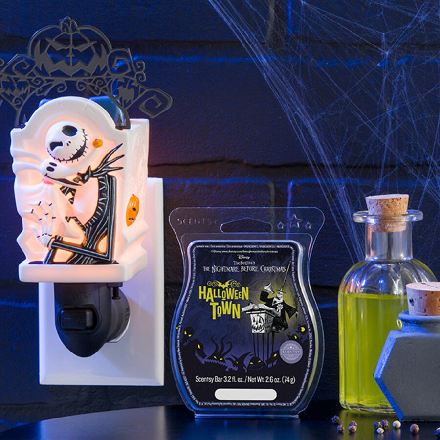 Jack Skellington Mini warmer with the Halloween Town Scent