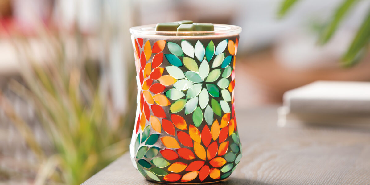 Scentsy stylized photo of the Dancing Petals warmer
