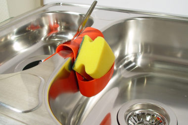 How to Make a Environmentally Safe Abrasive Cleaner for Your Home