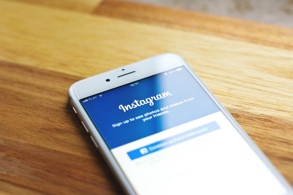 How to Use Instagram to Make Money and Do It Full Time!