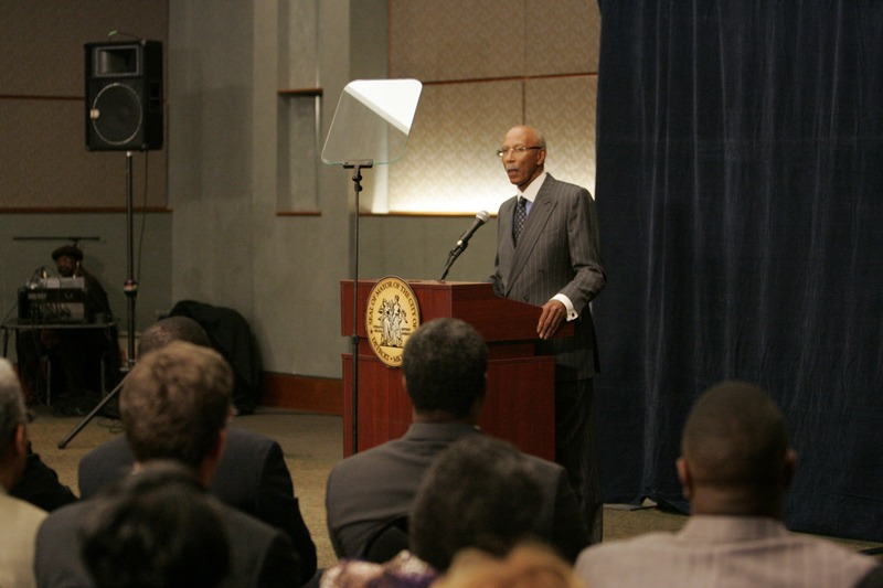 Mayor Dave Bing delivers a financial update regarding the City of Detroit. Future Media Corporation provided executive teleprompting services for the event.