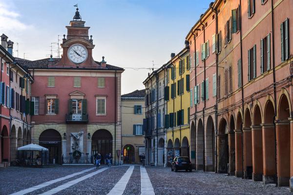 italiainpiega-pieghe-meravigliose-itinerari-moto-pianura-padana-emilia-memoria-correggio
