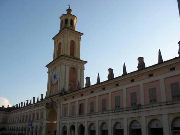 italiainpiega-pieghe-meravigliose-itinerari-moto-pianura-Padana-Emilia-memoria-gualtieri