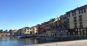 italiainpiega-pieghe-meravigliose-itinerari-moto-pianura-padana-lungo-il-fiume-mincio-peschiera 1