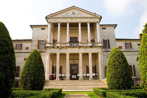 italiainpiega-pieghe-meravigliose-itinerari-moto-pianura-padana-ville palladiane-villa cornaro