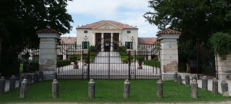 italiainpiega-pieghe-meravigliose-itinerari-moto-pianura-padana-ville palladiane-villa emo