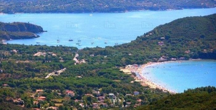 italiainpiega-pieghe meravigliose-itinerari-moto-centro-italia-isola d'elba-spiaggia capoliveri