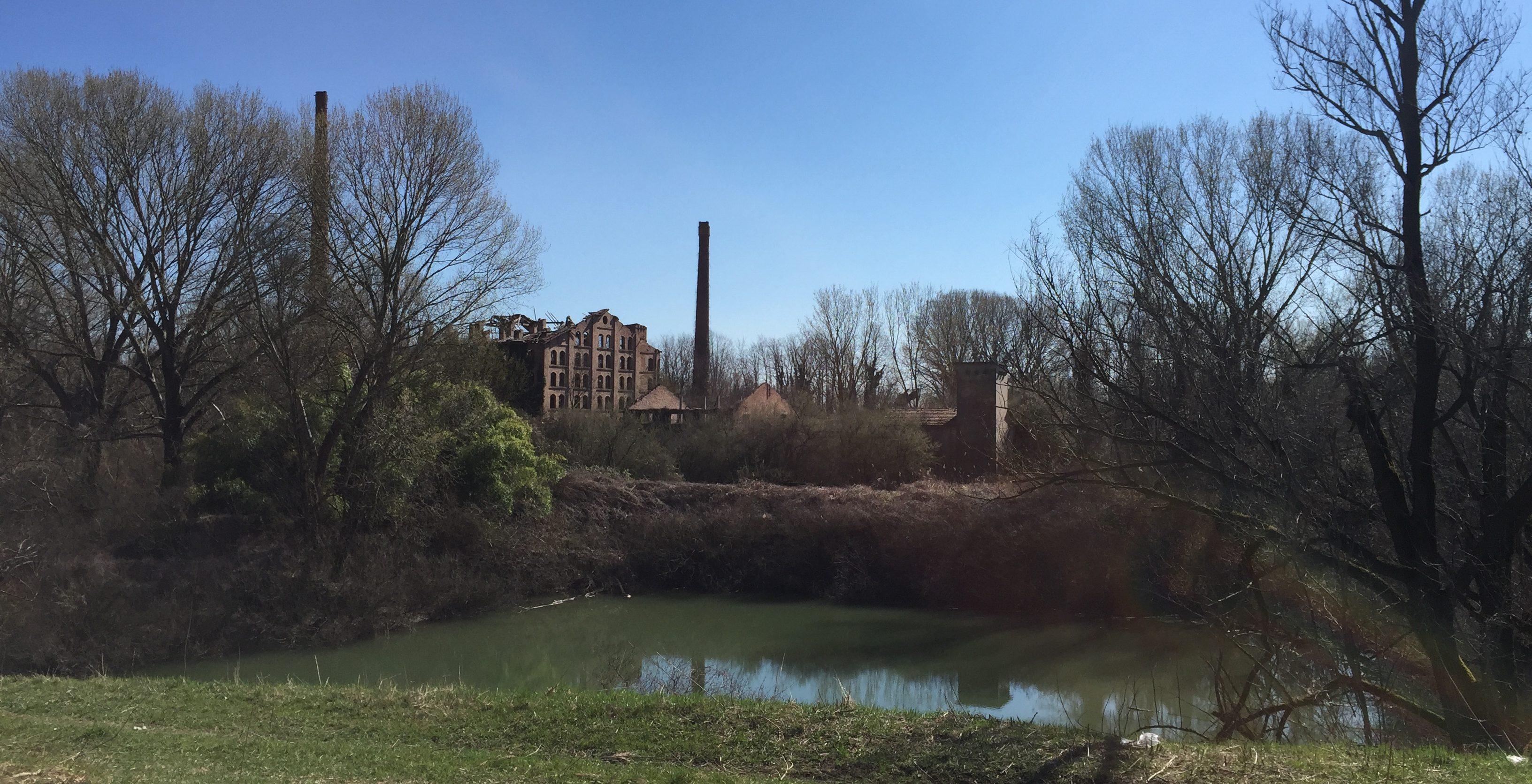 italiainpiega-pieghe meravigliose-itinerari-moto-pianura-padana-argine sinistro del fiume po-villanova marchesana-fornace totti