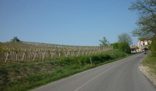 italiainpiega-pieghe-meravigliose-itinerari-moto-nord-italia-vinando-oltrepo' pavese-panorama 4