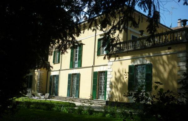 italiainpiega-pieghe meravigliose-itinerari-moto-pianura padana-campagna-giuseppe verdi-villa verdi 1