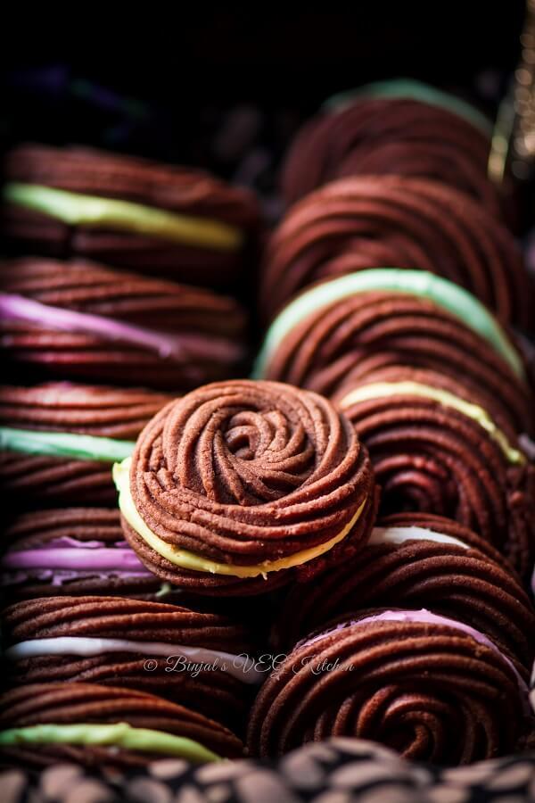 Coffee Flavor Rose Spritz Sandwich Cookies Photography