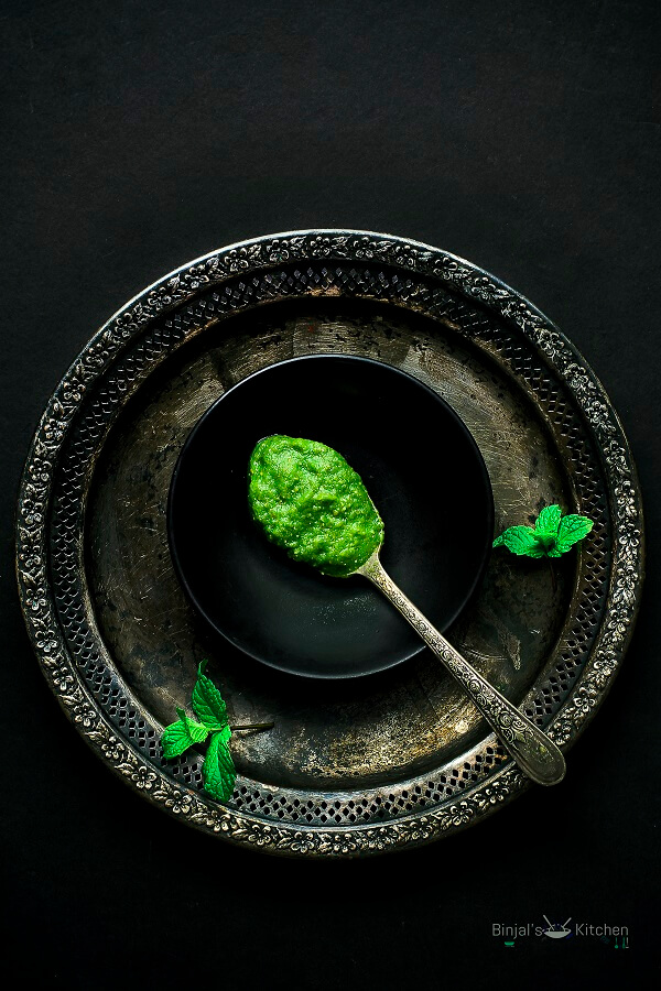Mango Mint Chutney Photography