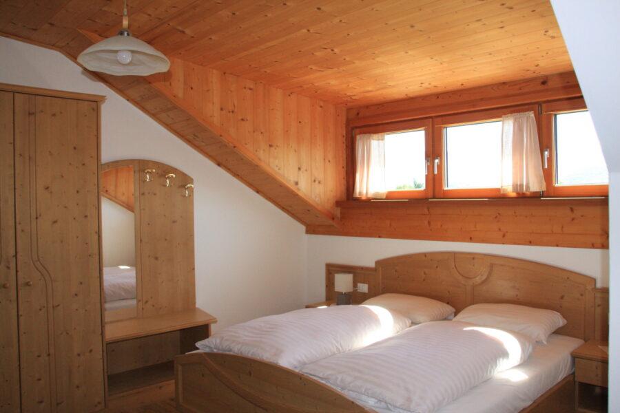 apartment Latemar, bedroom