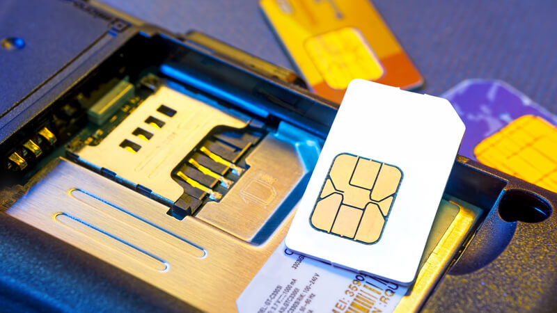 """Identifying The Cause: What Does An """"Invalid SIM"""" Mean In An iPhone?"""