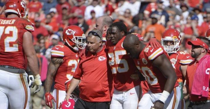 Jamaal Charles não retorna em 2015 ; fim de ano para ele e para os Chiefs