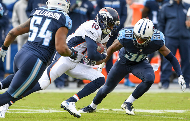 Broncos Titans Football
