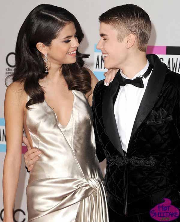Justin Bieber and Selena Gomez AMA 2011
