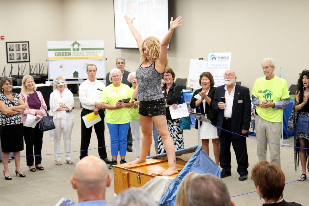Subtrunk Sept 29 2014 Florida magician Gary Roberts