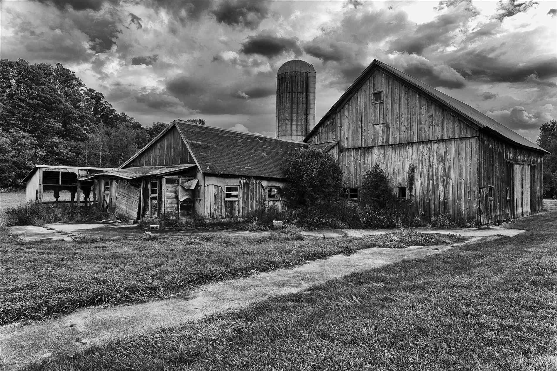 old farmhouse black and white dakota shack tau zerorhtauwordpresscom how to draw an barn farm house part youtuberhyoutubecom how old farmhouse black and white to draw