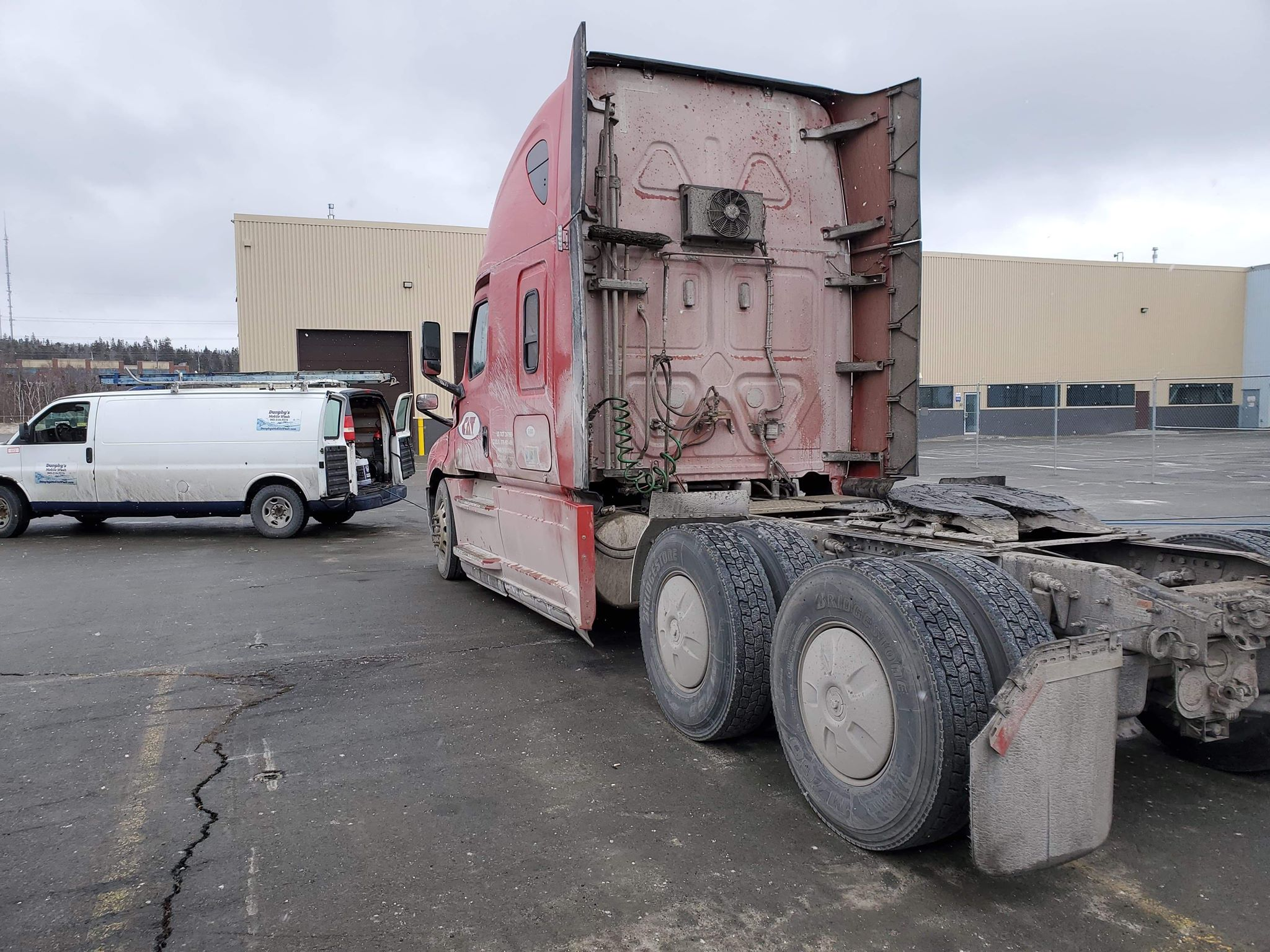 Cat truck dirty 3