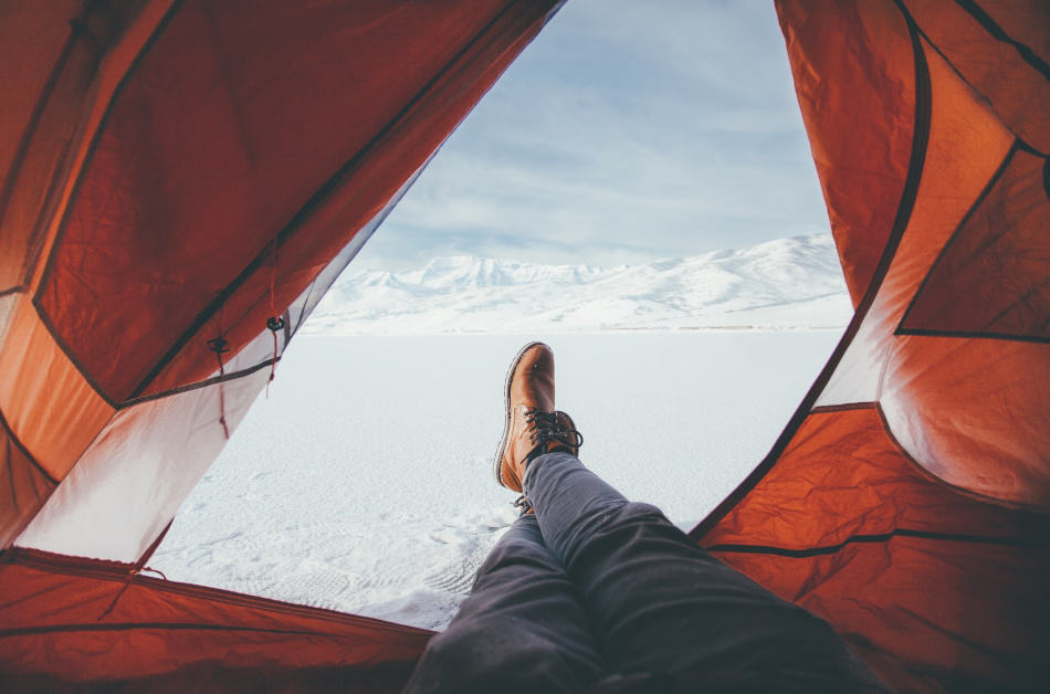the best sleeping bags for big guys shown in the winter
