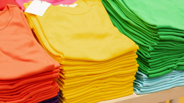 Read more about the article Choosing The Right T-shirt and Printing For Your Bulk Order.