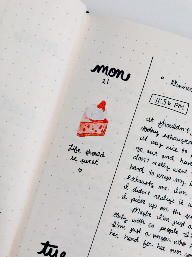 Minimal bullet journal - decorate the margins