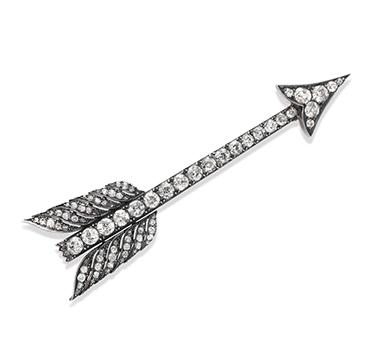 An Antique Diamond Arrow Brooch