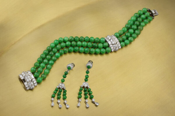 Cartier Art Deco Jade And Diamond Set» Price On Request «
