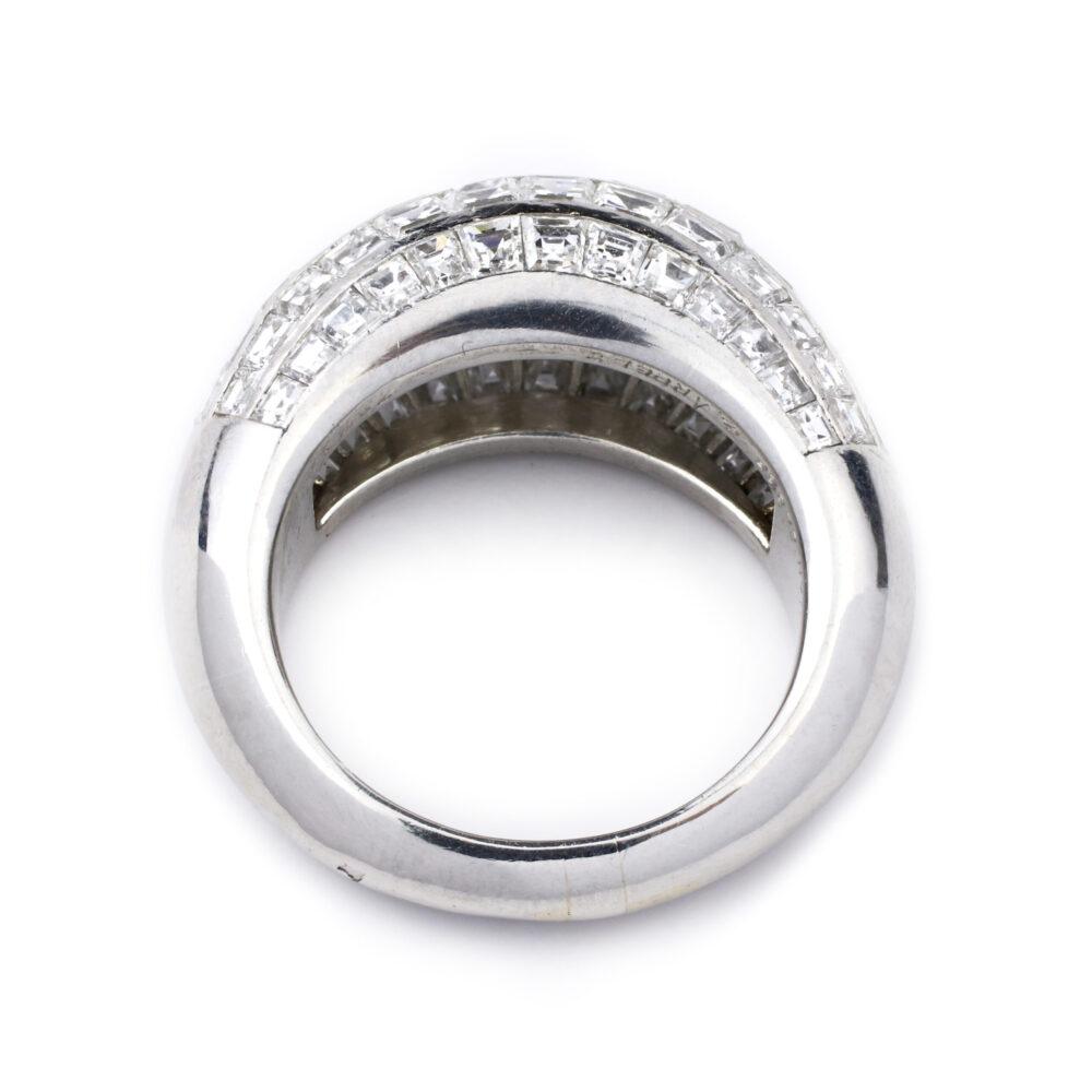 Van Cleef & Arpels Diamond Set Bombe Ring