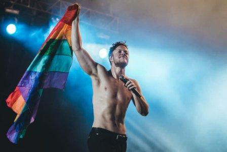 Rock singer Dan Reynolds rallies for LGBT Mormons