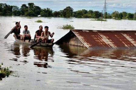 Floods displace some 4 lakh in Assam