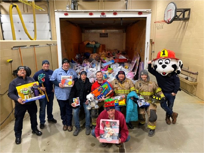 Fenton_Fire_Fighters-Fill_the_Truck-Toys_-Coats_for_Kids