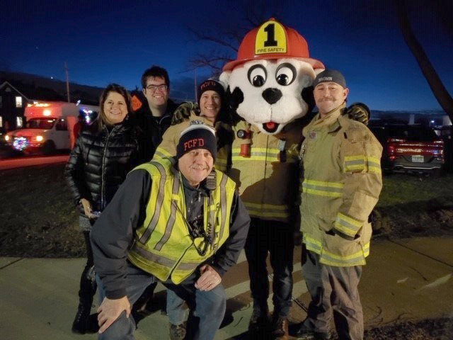 Fenton_Fire_Fighters-Fill_the_Truck_volunteers2019