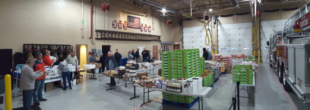 Food_Give_Away-Oct2019_Fenton_Fire_Fighter_Charity (2)