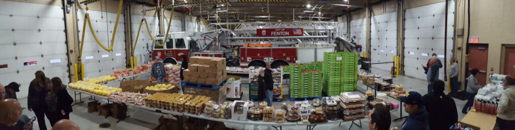 Food_Give_Away-Oct2019_Fenton_Fire_Fighter_Charity (3)