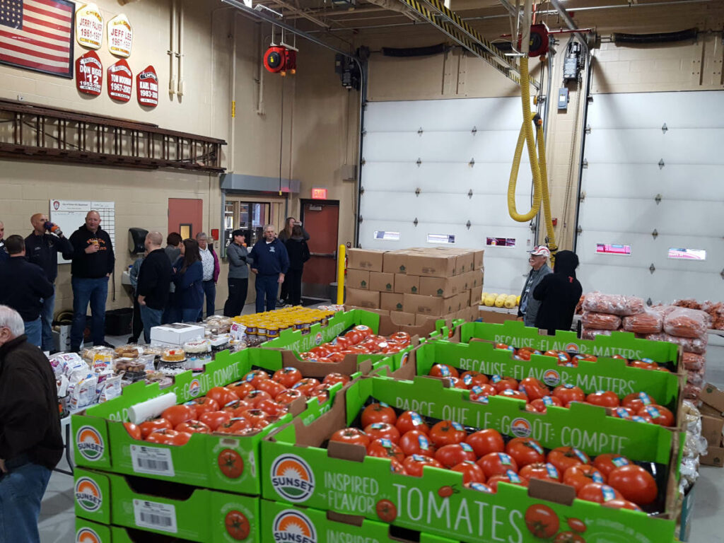 Food_Give_Away-Oct2019_Fenton_Fire_Fighter_Charity (5)